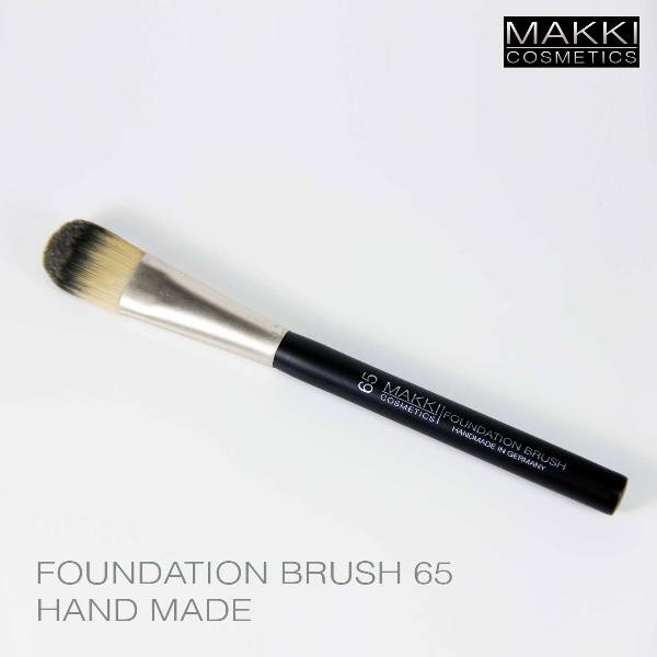 Foundation Brush 65