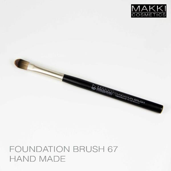 Foundation Brush 67