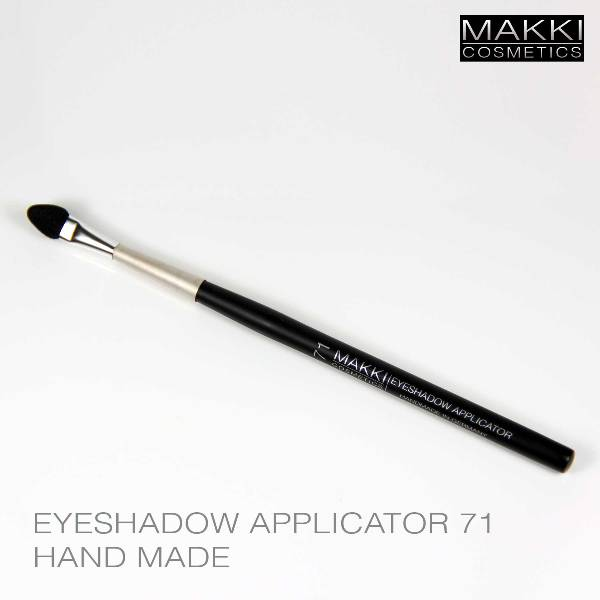 Eyeshadow Applicator 71